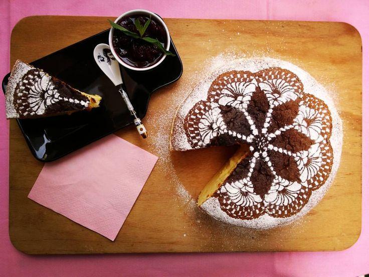 Japon Peynirli Kek / Japanese Cheesecake / 日本のチーズケーキ Malzemeler 6 yumurta beyazı 6 yumurta sarısı 140 gr şeker 250 gr labne veya mascarpone 90 gr süt 50 gr tereyağı 60 gr un 20 gr mısır nişastası 10 gr kabartma tozu ½ çay kaşığı krem tartar ½ çay...