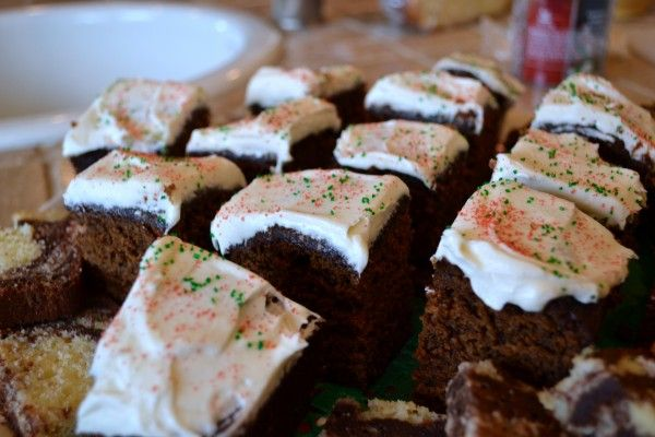 Gingerbread Snack Cake w/ Cream Cheese Frosting | Entertaining and ...