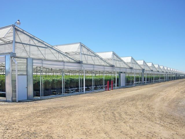http://www.agratech.com/gallery-commercial-greenhouse-manufacturer.html