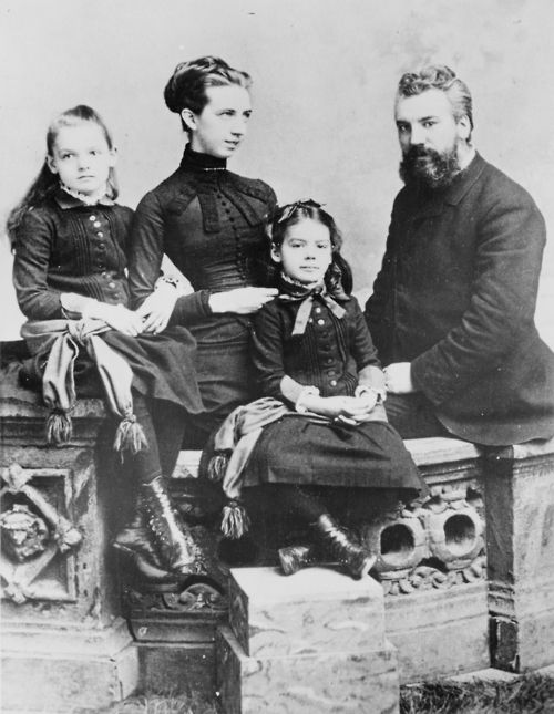 Alexander Graham Bell with his wife Mabel Gardiner Hubbard and their children Elsie May Bell (far left) and Marian Hubbard Bell