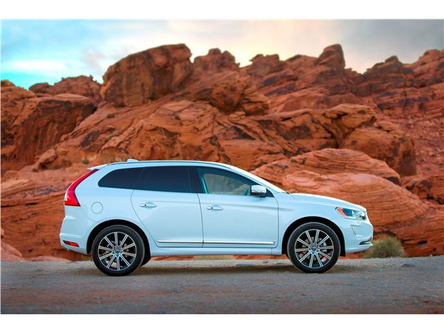 2015 Volvo XC60: 2015 Volvo XC60 2...Like those wheels.