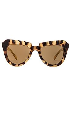 Such an awesome pair of statement sunnies!
