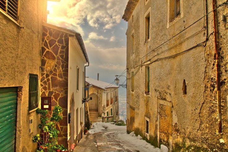 Castello Matese  #castellomatese #castello #matese  #medieval #light #sunset #silhouette  #snow #dream #summer #autumn  #holiday  #vacancy #viaggiare #sunset  #nikon  #nikond90 #nikonitalia #twitter