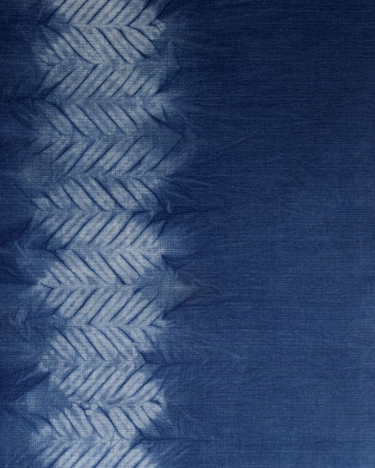 Aizome/shibori/indigo hand dye: Mokume (wood grain) shibori pattern by Little m Blue.