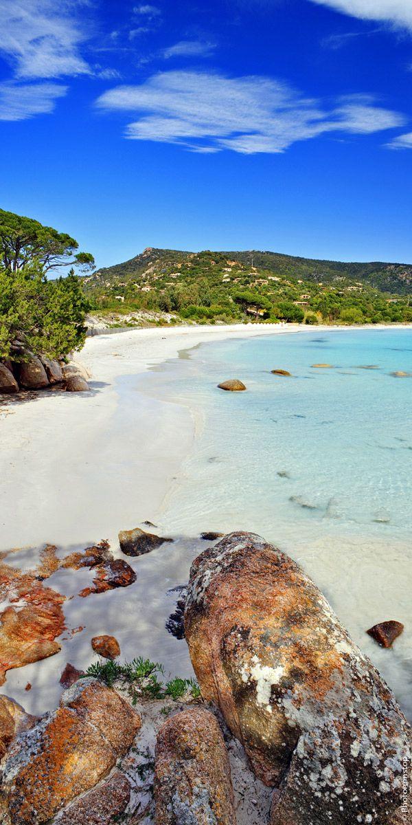 Connaissez vous les plages blondes de Porto Vecchio ? Découvrez une ville où se cachent les plus belles plages de France..direction Corse !