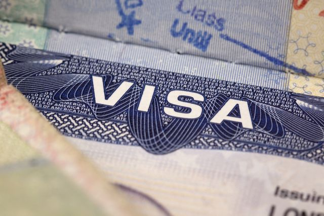 ¿Solicitando la visa americana? Documentos necesarios y recomendables: Para obtener la visa americana de turista es fundamental probar lazos fuertes en el país de residencia.