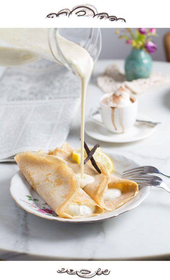 Rezept für traditionelle österreichische Topfenpalatschinken mit Vanillesauce.