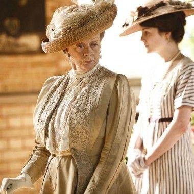 Вдовствующая графиня во всех ее викторианской славе.