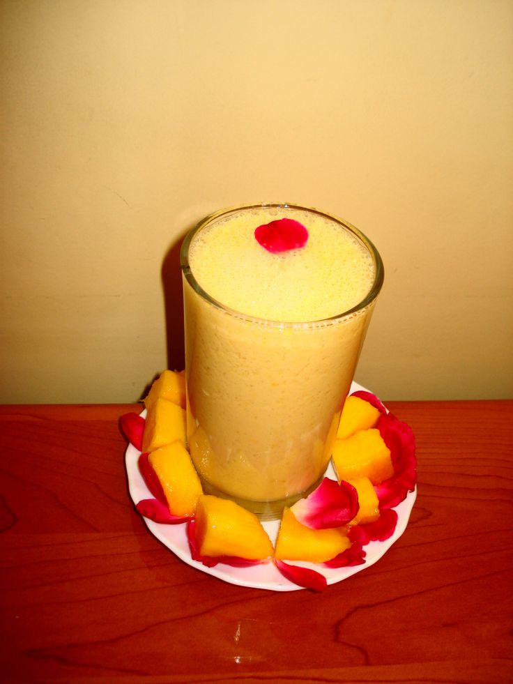 Cuisine of Karachi: Mango Shake آم کا ملک شیک