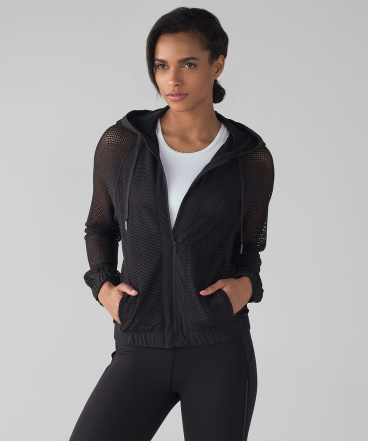 Feel the summer breeze on your  skin during outdoor boot camp  classes or on your commute  home from the beach in this  jacket made from two types of  breathable Mesh fabric.