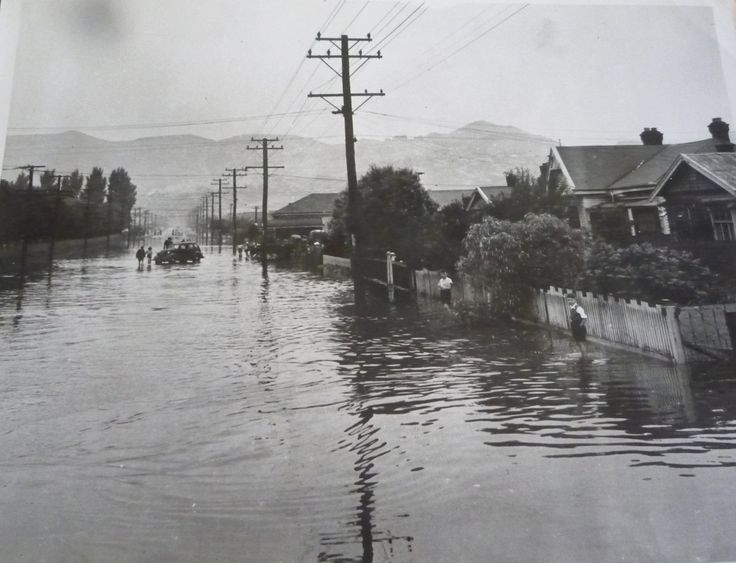 Taken during the flooding in 1940-50s I think it is Colombo Street, Beckenham, Christchurch. New Zealand Lma