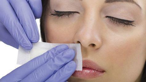 Schmerzhafte Methode: Auch mit Kaltwachstreifen lässt sich ein Damenbart entfernen (Quelle: Thinkstock by Getty-Images)