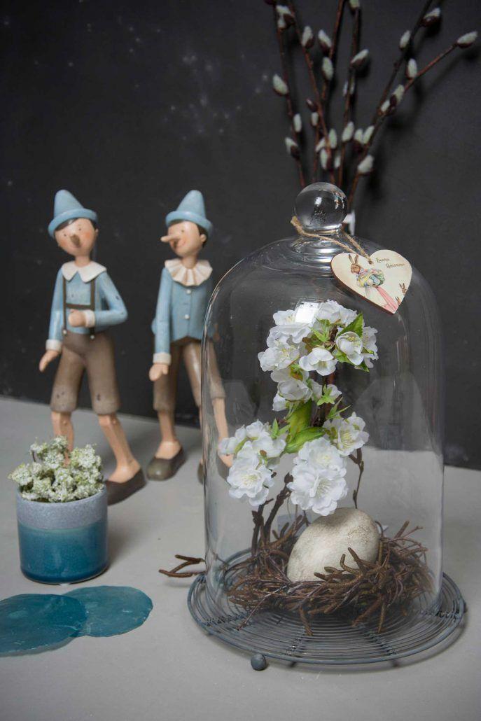 Flotte dekorationer i glasklokker - 6 flotte påske dekorationer i glasklokker