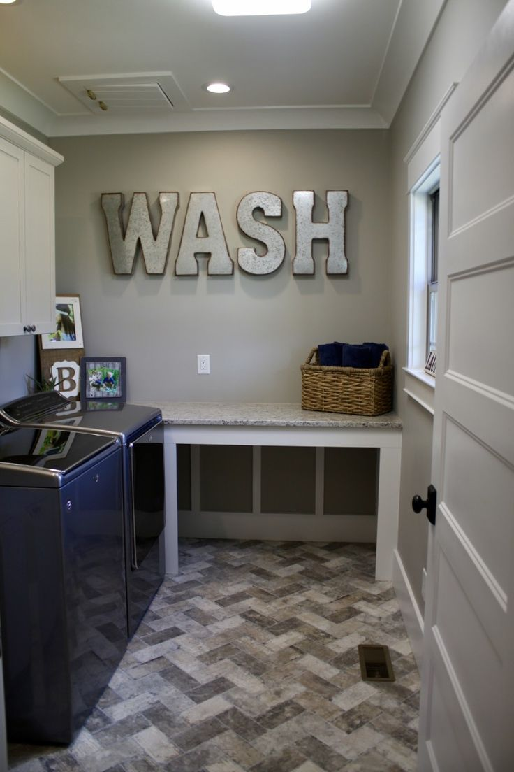 Best Laundry Room Designed By Tina Holland In Aristokraft 640 x 480