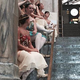 claremoletto #ballerine alla #stazionecentrale di #milano  #dance #iloveballet #dancelife #ballet #instaballet