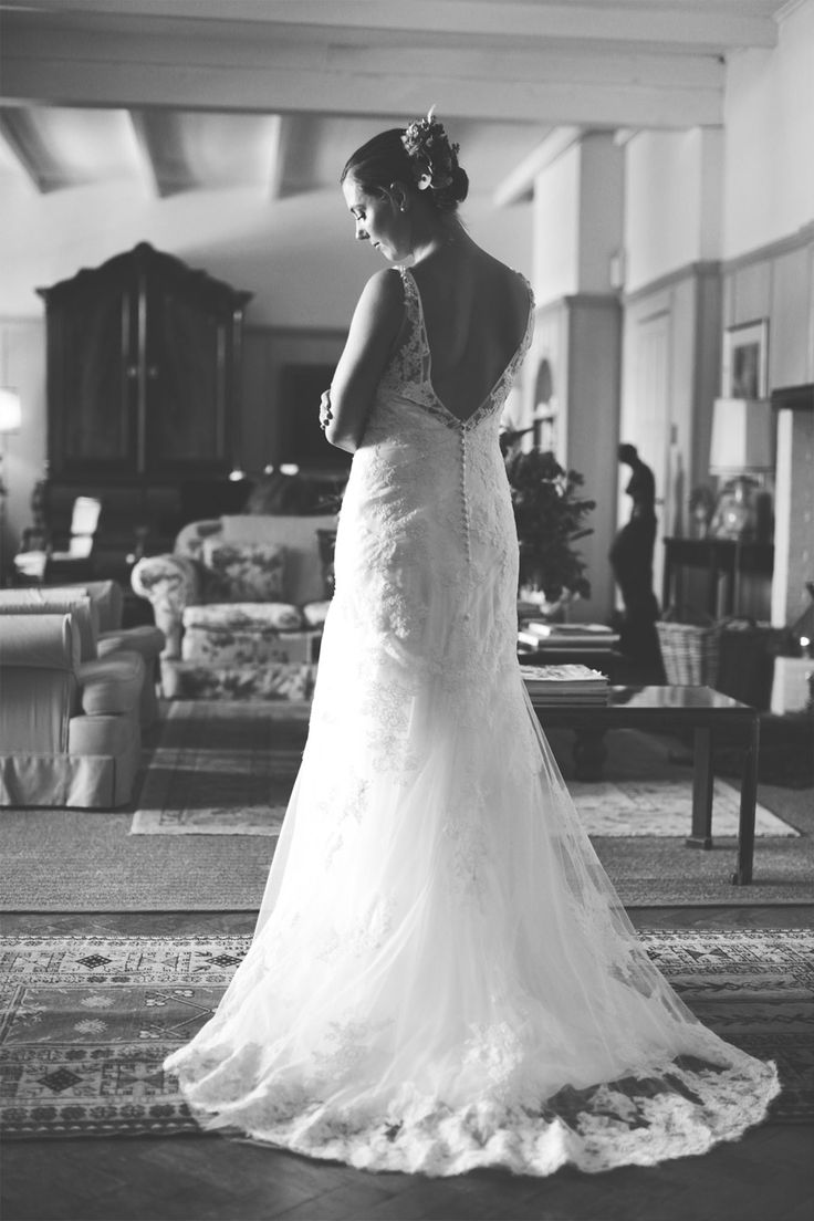 Wedding Dresses With Dramatic Backs :