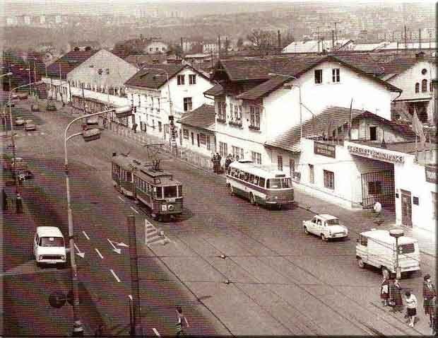 56_Pohled do Bubenské ulice z budovy Dopravních podniků v r. 1971