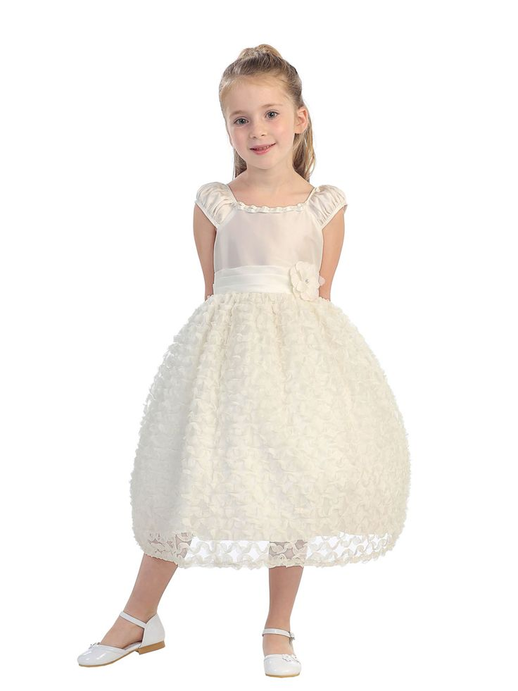 Adorable cap sleeve organza, tulle & ribbon flowergirl dress. Size 4 in Ivory. Sale! $49, orig $98.  (IV2703)