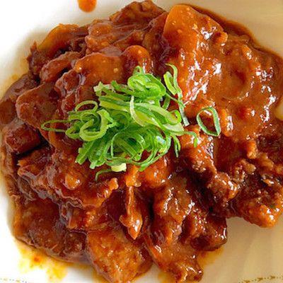 【フライパンで簡単】安い牛肉でも美味しい「赤ワイン煮込み」はいかが?