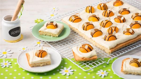 Rezept für Bienchenkuchen. Jetzt ausprobieren und von weiteren köstlichen Backrezepten und Schmankerln aus Österreich inspirieren lassen!