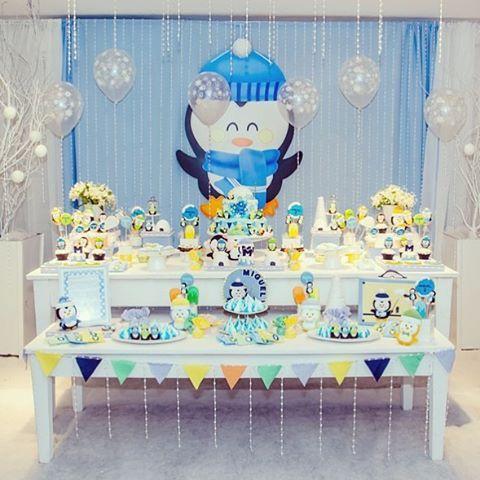 Ah, que amor! Essa festa By @elefantecoloridofestasrs é linda demais. A cara do meu sobrinho lindo Breno. Ele nasceu no inverno, é bem branquinho e a mamãe está tendenciosa a fazer festa com o tema Pinguim #pinguim #festainfantil #maternidade #festadiferente #festacriativa #festalinda