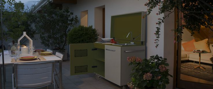 PVC kitchen, studied for outdoor use. Impervious to rain and bad weather, and unalterable, it's very slight, robust and recyclable. It includes stove, sink, folding tap, wheels or adjustable feet, easy to assemble and disassemble.
