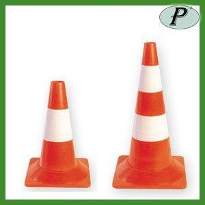 Conos de señalización reflectantes de 32 o 54cm. Más información: http://www.tplanas.com/epis/complementos-alta-visibilidad-/421-conos-de-senalizacion-fluorescentes-naranjas.html