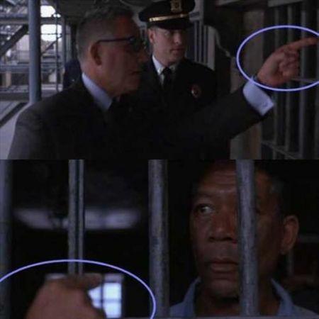 The Shawshank Redemption - hücreyi işaret eden elin değişmesi