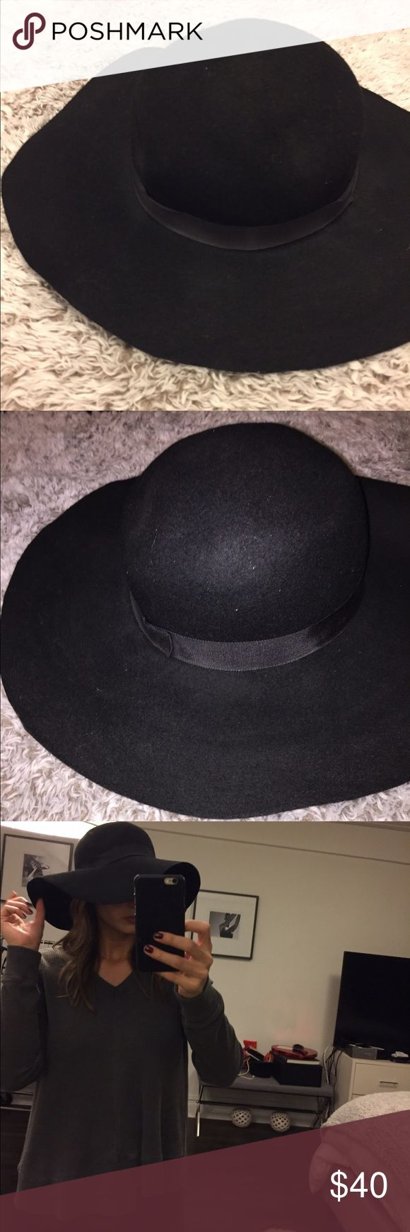 Topshop Fedora Hat- Black This topshop hat is a closet essential. Good for the summer or festival wear. Topshop Accessories Hats