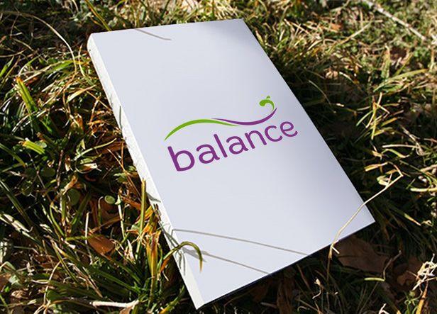Diseño de logotipo para Balance Fit Club, un centro de asesoramiento nutricional, estético y entrenamientos personales. Ofrecen un servicio integral donde te aconsejan sobre tu alimentación a la vez que te indican los ejercicios que debes de hacer en función de tus objetivos.  Nuestra clienta nos indicó desde el principio que buscaba un logotipo que transmitiera la idea de equilibrio, que es el origen del nombre del centro. Al mismo tiempo querían evocar el concepto de salud, nutrición…