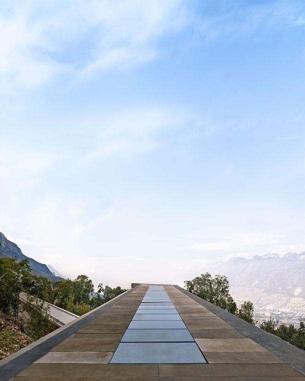 Дом по проекту Тадао Андо | Загородные дома в AD Magazine | Интерьеры в журнале AD | Японский архитектор Тадао Андо спроектировал частный дом в Мексике, где жильцы могут скрыться не только от внешнего мира, но и друг от друга.