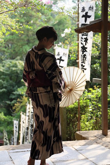 """travelnippon: silhouette """"杉本寺にて豊田芽衣子さん"""" by cate♪ on Flickr."""