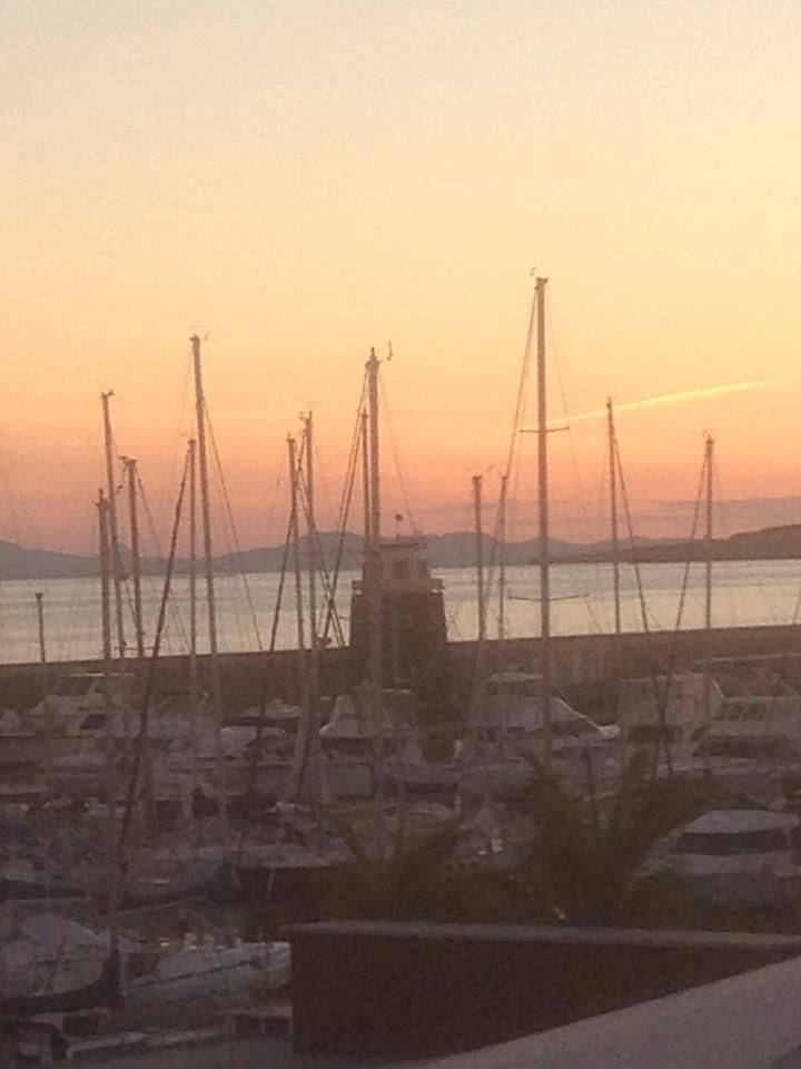 Sunset at #Puertocalero views from our office  Atardece en Puerto Calero desde nuestra ofi..  www.sun-e-holidays.com