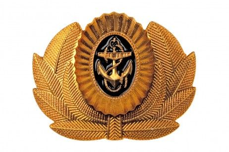 COCKADE OF RUSSIAN NAVY OFFICERS AND WARRANT OFFICERS. The cockade to be fastened to the service caps of midshipmen, the berets, hats with earflaps of officers and field caps of flag officers.  The emblem is made of anodized goldish metal in the form of the oval Navy cockade, framed with a wreath of laurel branches. #souvenirs #anchors #mariners #marines #usmc #military #collectibles #army #eagles #pinbadges #navy #cockade