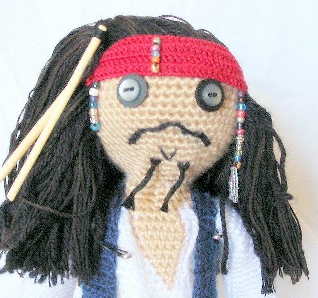 Pirata del Caribe tejido en gancho.: Captain Jack Sparrow, Captain Sparrow, Jack Amigurumi, Jack Dolls, Captainjack, Pirates Dolls, Amigurumi Holidays, Dolls Patterns, Amigurumi Patterns