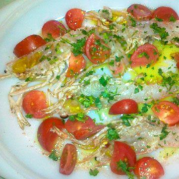 Oggi per #pranzo iniziamo con un #antipasto di #scampi crudi con pomodorini. Guardate la ricetta su www.frescopesce.it/scampi-crudi-con-pomodorini/