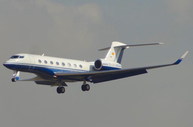 Gulfstream Aerospace G650 (EC-LYK), al llegar al Aeropuerto de Barcelona el 22-9-2015