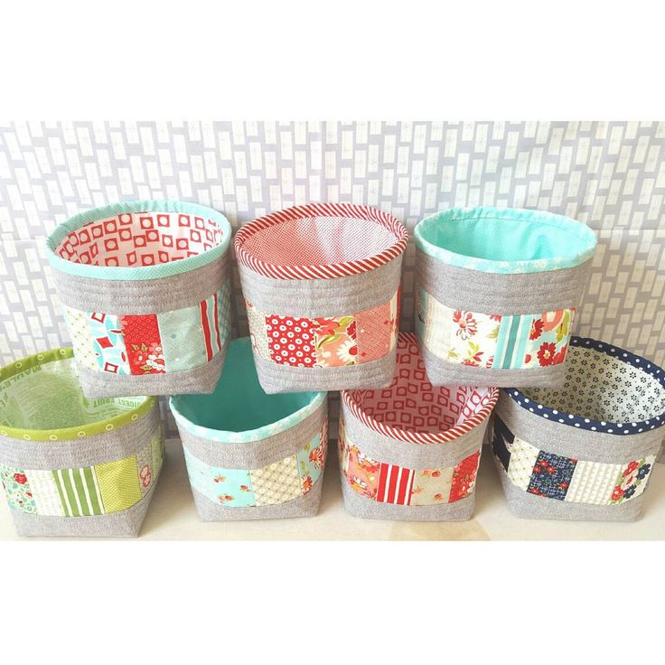 Little thread catcher baskets by Emily @ simplegirlsimplelife - from free tutorial @ thesewingchick here:  http://thesewingchick.com/2014/05/tutorial-quilt-as-you-go-thread-catcher.html/