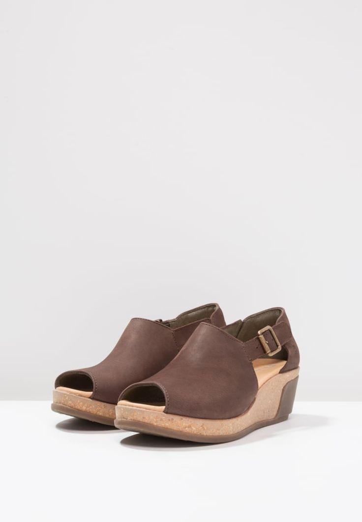 Köp El Naturalista LEAVES - Sandaletter med kilklack - brown för 1095,00 kr (2017-03-16) fraktfritt på Zalando.se