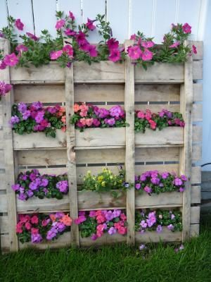 pallet vertical garden, great for strawberries