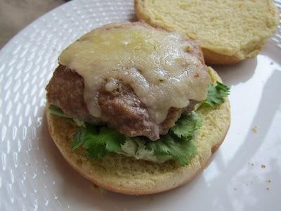 Bites: Salsa Verde Turkey Burgers | Sandwiches and Burger Yummies | P ...