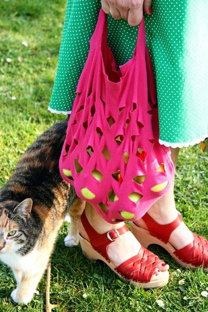 IMG_8182 by Mme Zsazsa, via FlickrDrawn Instructions, Tots Tasje, Shirts, Diy Bags, Shops Bags, Mme Zsazsa, Marketing Bags, Recycle Tots, Een Moederdagcadeau