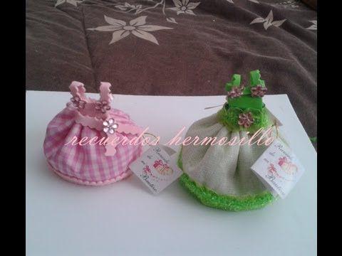 Una linda cesta con dulces o dulcero de regalo para el día del amigo, enamorados o navidad.....Muy fácil de hacer SIGUEME! : Sitio web : http://manualidadesp...