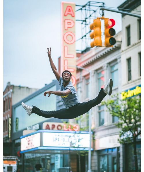 Le danseur Da'Von Doane dans les rues d'Harlem