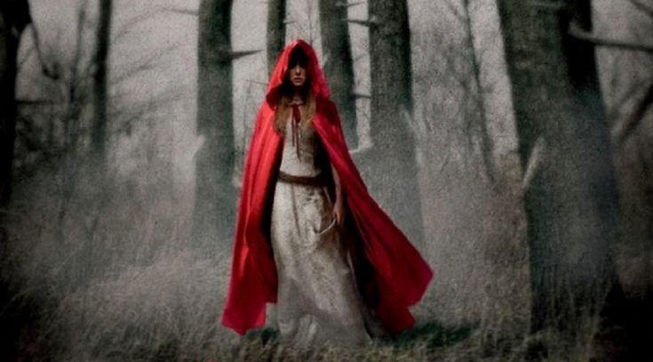 """""""Cappuccetto Rosso"""" dei Fratelli Grimm: un sacrificio, una fiaba esoterica"""