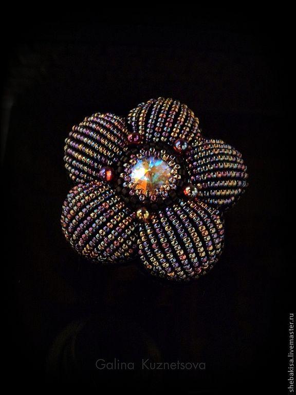 afafa69d08d258a602e5ebd35c--ukrasheniya-brosh-v-sumerkah-cherno.jpg (576×768)