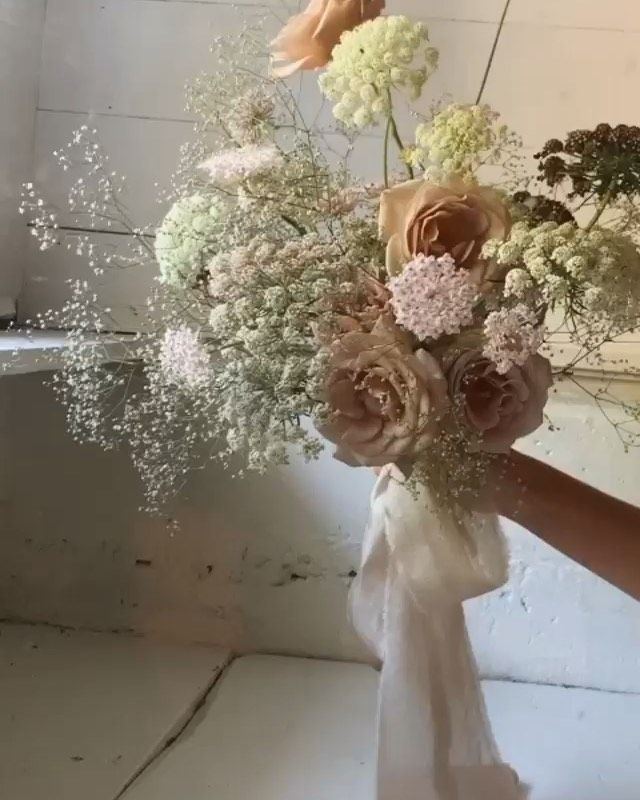 The Poetry Of Silk On Instagram Garden Roses Queen Ann S Lace Baby S Breath And Lace Flower On This Gorgeous Bouquet D In 2020 Bouquet Design Lace Flowers Bouquet