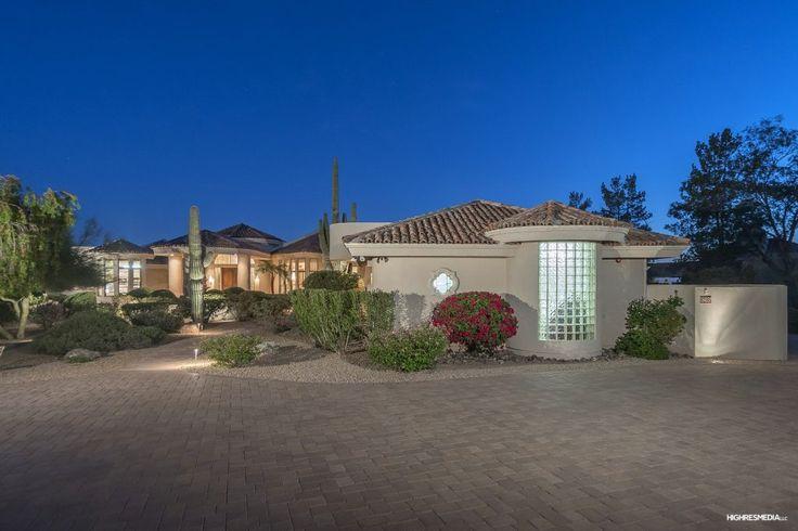 Scottsdale Homes For Sale in the $900,000's https://fitzgeraldluxurygroup.com/scottsdale-homes-sale-900000s?utm_content=bufferbedba&utm_medium=social&utm_source=pinterest.com&utm_campaign=buffer