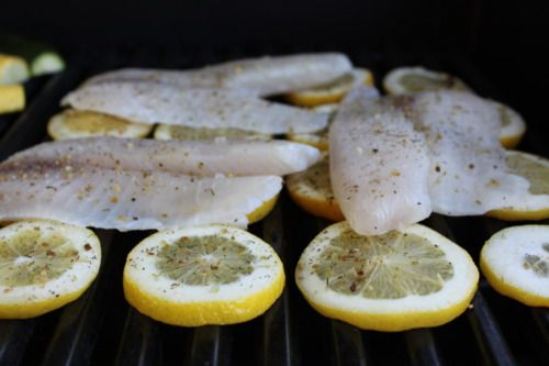 grilled tilapia + veggies - find the recipe at reneenicolesays.tumblr.com!: Fish Grill Recipes, Grilling Fish Recipes, Grilled Fish Recipes, Healthy Grilling Recipes, Grilled Tilapia Recipes, Fish Recipes Grilled, Favorite Recipes, Grill Fish Recipes, Tilapia Recipes Grilled
