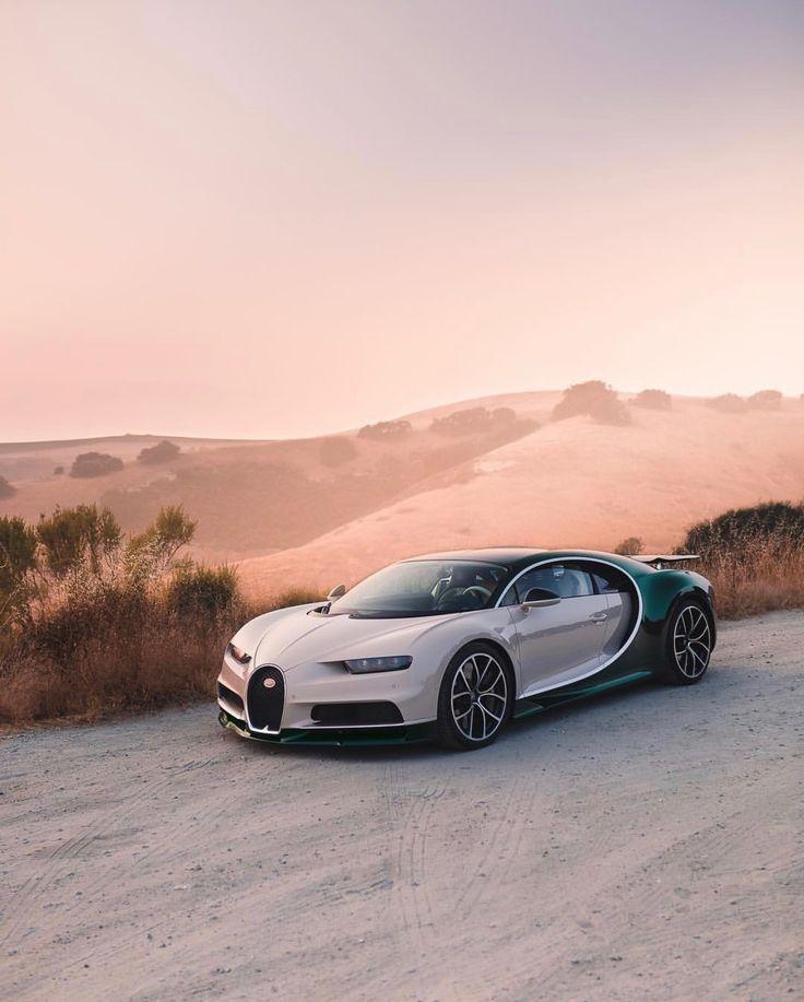 Bugatti Chiron in Pearl mit freiliegender grüner Kohlefaser Foto gemacht von: @d …